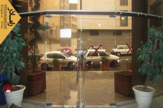 درب شیشه ای لولایی(23)