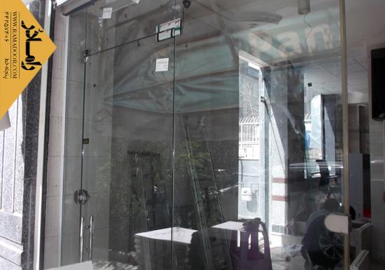 شیشه فروشگاه لولایی(13)